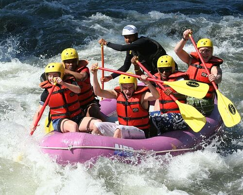rafting-whitewater-challenge-action